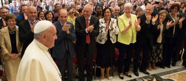 Papa Francisco em encontro na Cidade do Vaticano (Foto: EFE)