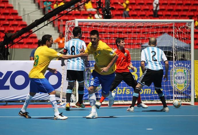 gol Futsal Brasil e Argentina, Mané Garrincha (Foto: Fabricio Marques)