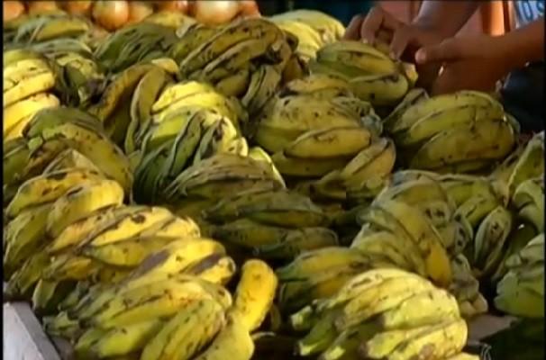 Com a escassez da fruta, o preço sofre aumento. (Foto: TV tapajós)