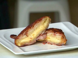Sanduíche de bacon (Foto: Reprodução/ Vanguarda)