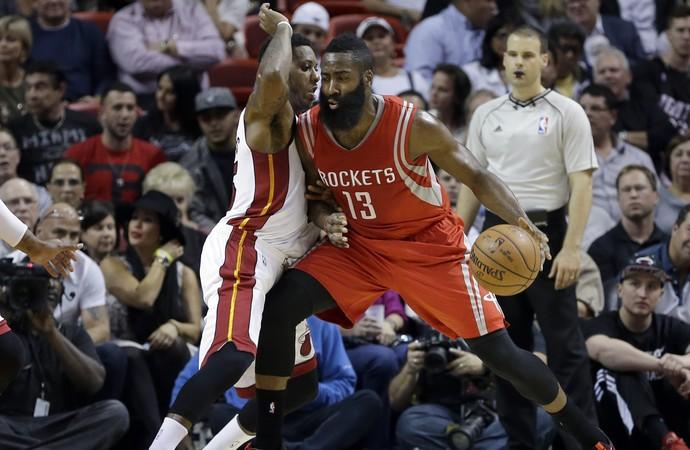 James Harden Rockets x Heat NBA - AP (Foto: AP)