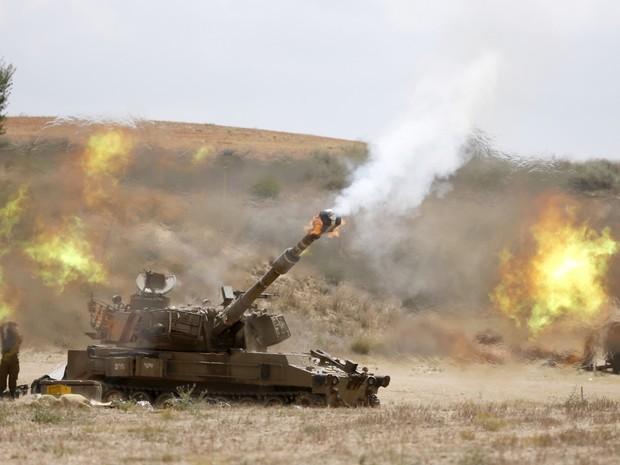 Exército israelense na fronteira entre Israel e a Faixa de Gaza  (Foto: AFP)