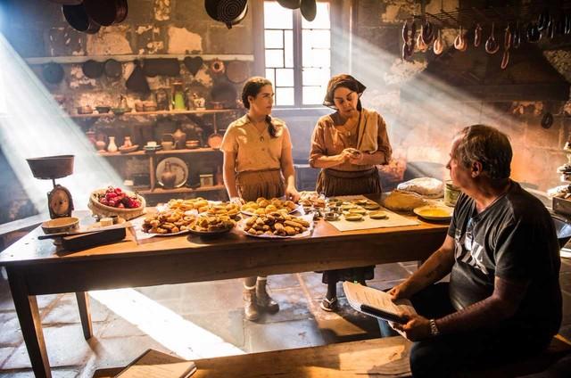 Lívian Aragão e Nivea Maria são dirigidas por Jayme Monjardim em 'Tempo de amar' (Foto: Globo/ João Miguel Junior)