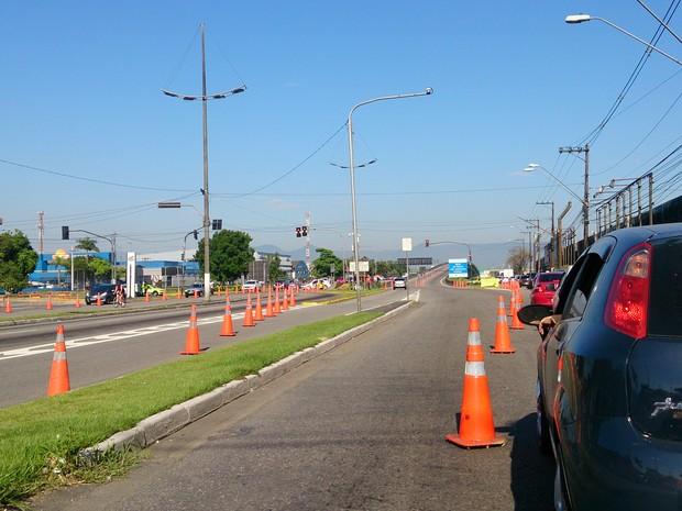 Vários trechos da rodovia Anchieta ficaram fechados durante a prova (Foto: Orion Pires/G1)