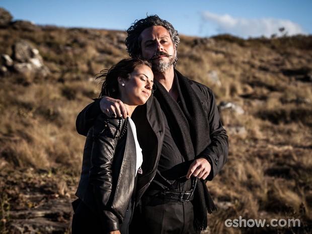 José Alfredo e filha admiram a paisagem do Monte Roraima  (Foto: Pedro Curi/TV Globo)