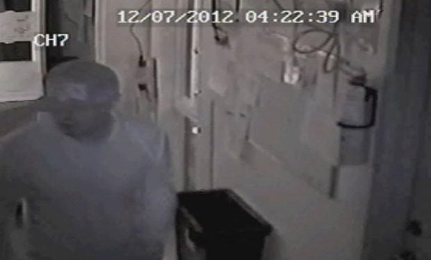 Ladrão invadiu uma cafeteria em El Paso para roubar um vidro de melado (Foto: Reprodução)