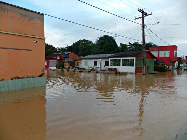 Rio chegou a cota de 15,59 metros às 17h desta segunda-feira, em Xapuri. (Foto: Divulgação / Asscom Prefeitura)