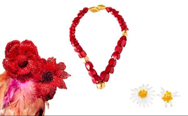 Flores eternas: Broche - Be D'Vine, colar - Annaka (R$ 975) e brincos GLA (R$ 350) (Foto: Divulgação)
