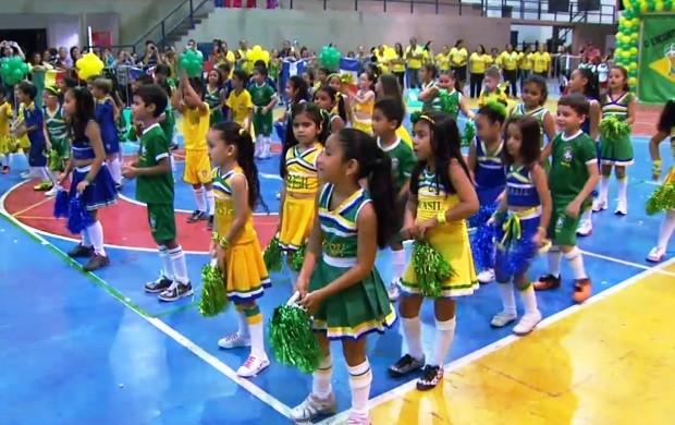 Os alunos da instituição fizeram uma apresentação de dança (Foto: Bom Dia Amazônia)