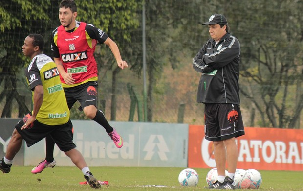 Treino Figueirense CFT Adilson Batista Henrique Miranda Tinga (Foto: Luiz Henrique/Figueirense FC)