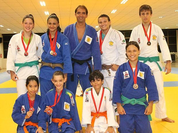 Judocas conquistam medalhas em Campeonato Goiano de Judô (Foto: Divulgação/Praia Clube)