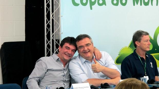 Mario Gobbi filho e Andres sanchez visita arena corinthians (Foto: Leandro Canônico)