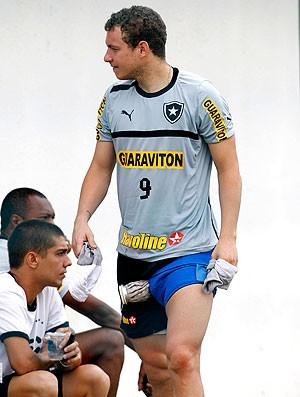 Marcelo Mattos no treino do Botafogo (Foto: Alexandre Cassiano / Ag. O Globo)
