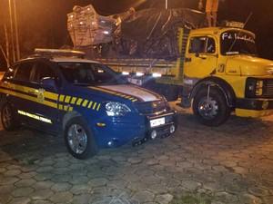 Medicamentos apreendidos em Oliveira (Foto: Polícia Rodoviária Federal/Divulgação)