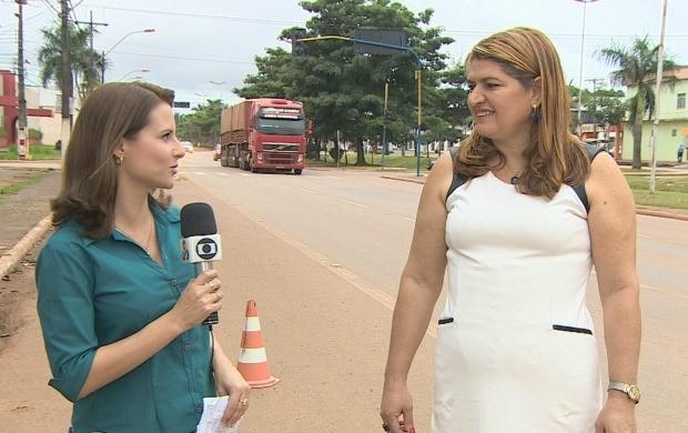 Cristiane Paião entrevista Rosana Matos Silva, Coordenadora de Educação de Trânsito do Detran (Foto: Bom Dia Amazônia)