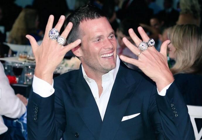 Anel campeão NFL New England Patriots - tom brady (Foto: Reprodução/Twitter)