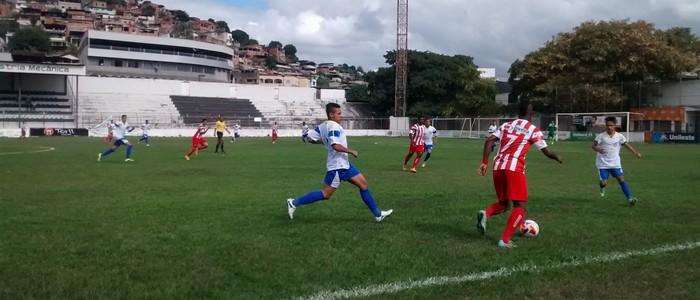 Novo Esporte é o líder da chave A   (Foto: Patrícia Belo / Globoesporte.com)