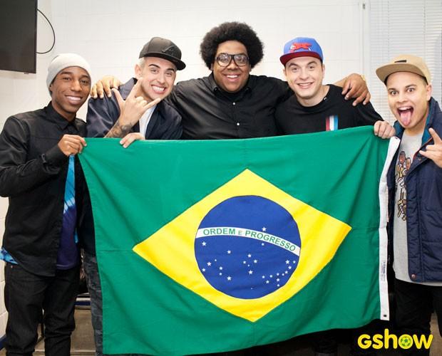 Grupo do Bola bandeira do Brasil (Foto: Dafne Bastos / TV Globo)