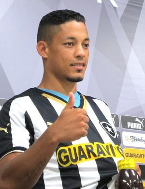 Tomas Apresentação Botafogo (Foto: Gustavo Rotstein)