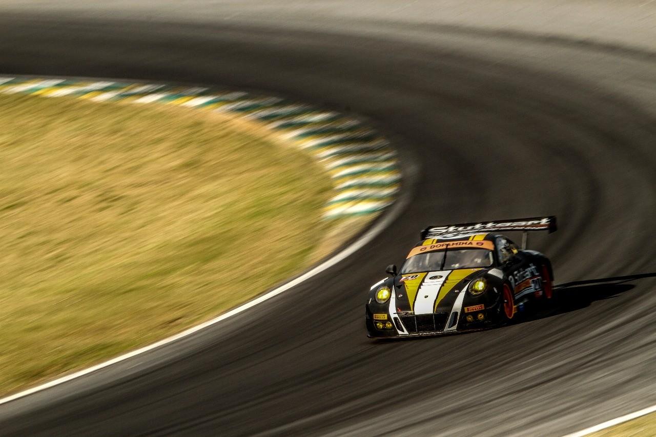 O Porsche 911 GT3 R de Marcel Visconde/Ricardo Mauricio  (Foto: Rodrigo Guimarães/Stuttgart Motorsport)