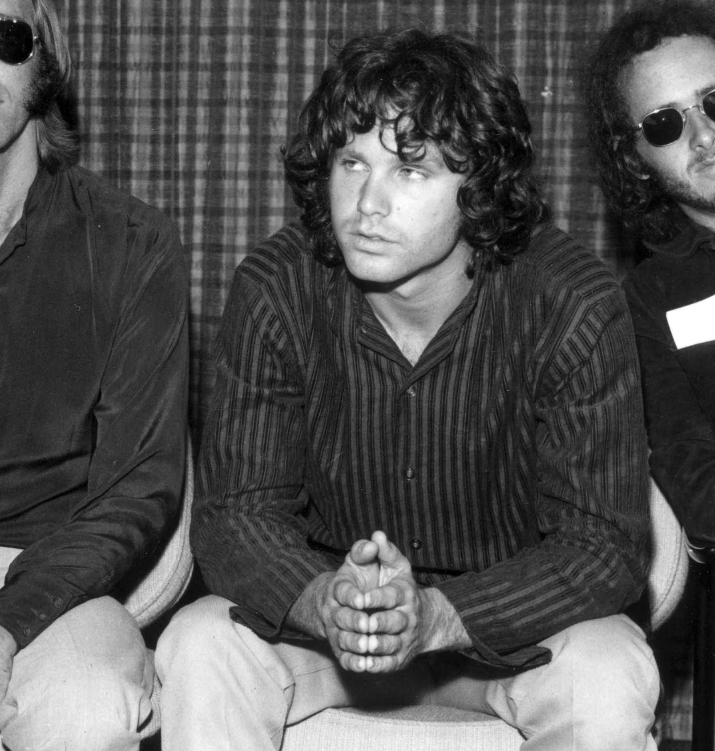 Morrison era um deus do rock no dia que foi achado morto na sua banheira em um apartamento parisiense. O líder do The Doors gostava mesmo era de poesia, contudo nunca conseguiu atingir esse desejo. Sua morte foi causada por uma overdose de heroína. (Foto: Getty Images)