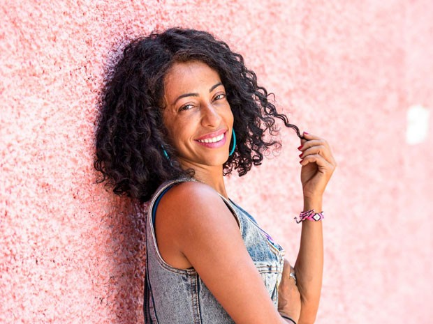 Samantha Schmütz estrela a comédia 'Tô ryca', que estreia em 22 de setembro (Foto: Divulgação)