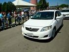 Ladrões assaltam prefeito durante vistoria a obra e roubam carro oficial