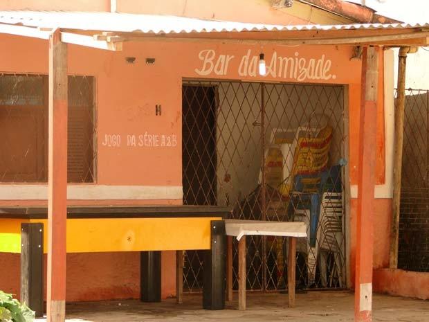 Bar da Amizade, no bairro de Cidade Nova, foi palco da chacina (Foto: Ricardo Araújo/G1)