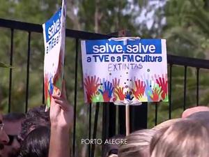 Fundação Piratini extinta protesto TVE FM Cultura (Foto: Reprodução/RBS TV)