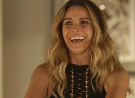 Vilã golpista de Giovanna Antonelli invade casa e se esbalda no 1º capítulo de 'A Regra do Jogo'