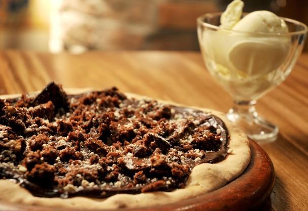 Pizza de brownie da Pizzaria Jullia, em São Paulo (Foto: Divulgação)