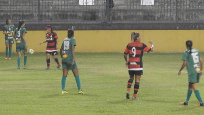 Flamengo joga melhor mas perde primeiro jogo da final o Futebol Feminino