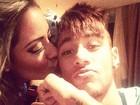 Neymar ganha beijo da irmã: 'Amo demais!'