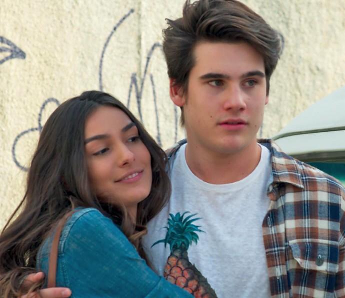 Luciana fica surpresa ao encontrar Rodrigo (Foto: TV Globo)