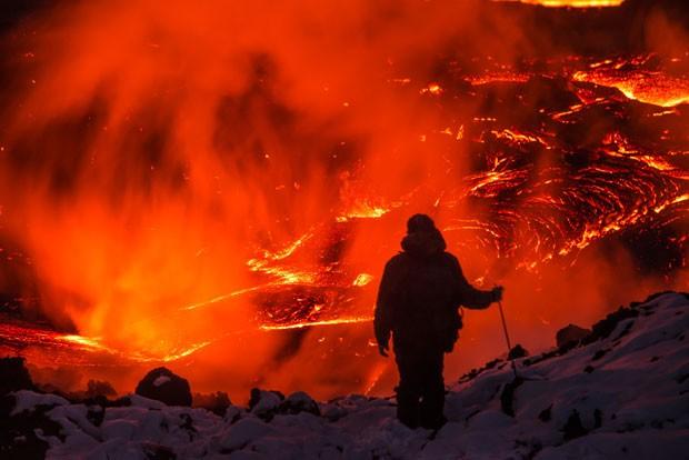 Foto de Andrey Zemlyansky desta sexta-feira (27) no vulcão Plosky Tolbachik  (Foto: Andrey Zemlyansky/Caters News/The Grosby Group)