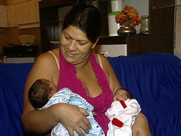 Patrícia esperava por dois meninos, mas a surpresa foi a vinda de uma menina (Foto: Reprodução/ TV Gazeta)