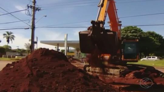 Obra emergencial na Avenida Imbaúbas causa confusão no trânsito
