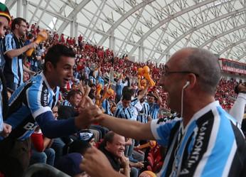 Torcida mista Grêmio Inter Internacional Gre-Nal Beira-Rio (Foto: Eduardo Moura/Globoesporte.com)