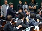 Sessão do Conselho de Ética tem briga e empurrões