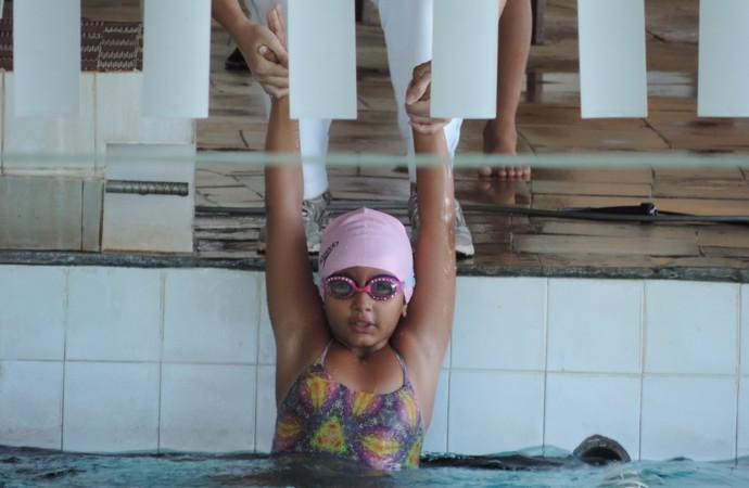 Maria Eduarda, Torneio Regional Petiz a Sênior, natação, Prudente (Foto: João Paulo Tilio / GloboEsporte.com)