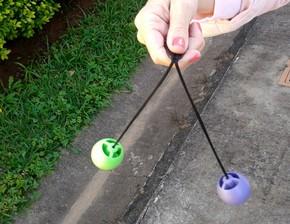 Brinquedo barulhento volta a fazer sucesso entre crianças e adolescentes | Campinas e Região | G1