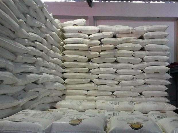 Trigo estava em depósito irregular na Zona Sul de Manaus (Foto: Divulgação/Agecom)