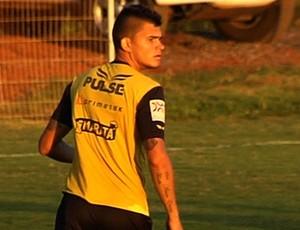 Igor - zagueiro Vila Nova (Foto: Reprodução / TV Anhanguera)