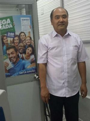 O dono da lotérica Auxílio Suguimoto conta que os participantes do bolão são apostadores assíduos (Foto: Arquivo pessoal/ Auxílio Suguimoto)
