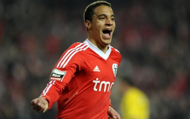 Rodrigo Moreno comemora gol do Benfica (Foto: AFP)