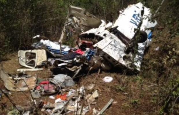 Situação de avião que caiu e matou 5 pessoas em Caldas Novas, GO era regular, diz Anac (Foto: Reprodução/TV Anhanguera)