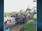 Casal de agricultores morre após trator tombar em bairro de Monte Belo