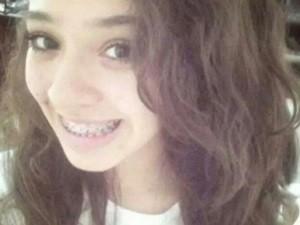Ana Lídia Gomes, 14, foi baleada e morta em ponto de ônibus (Foto: Reprodução/TV Anhanguera)