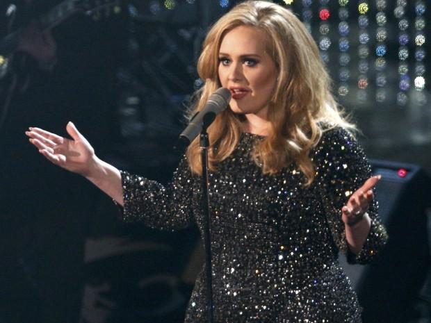 Adele canta 'Skyfall' durante a cerimônia do Oscar 2013 (Foto: REUTERS/Mario Anzuoni)