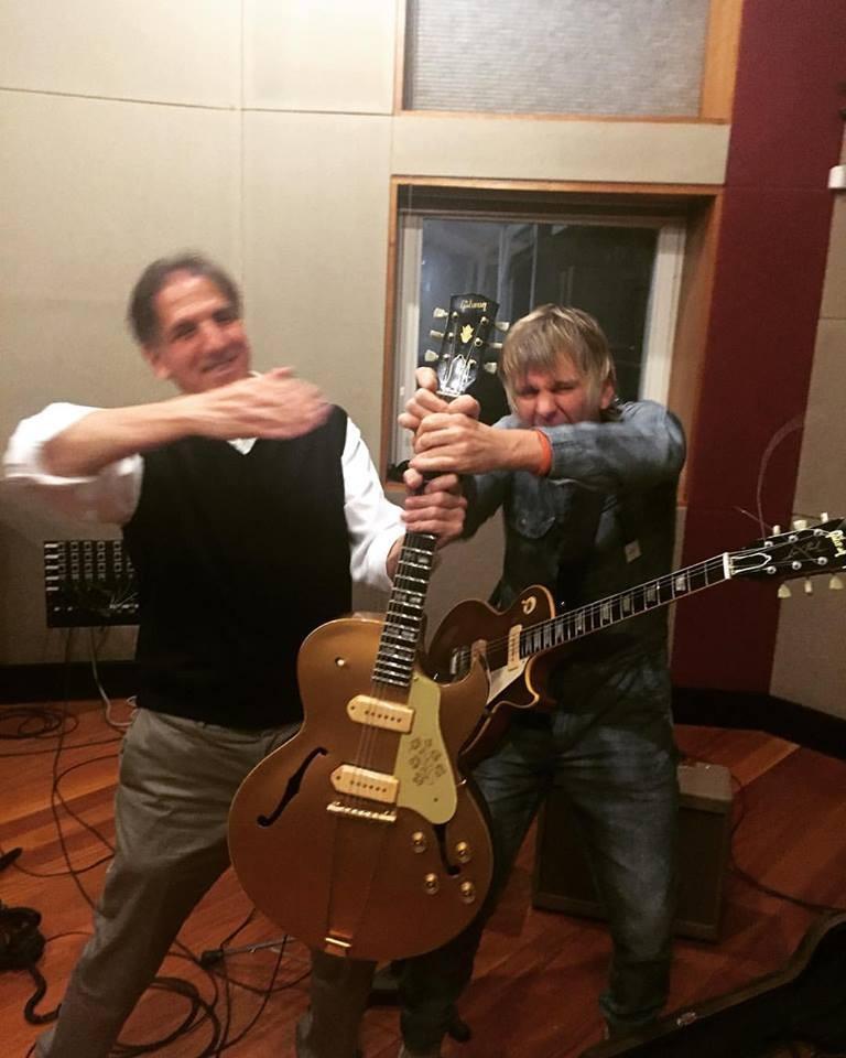 Zak Starkey no estúdio Space Blue (Foto: Reprodução Facebook)
